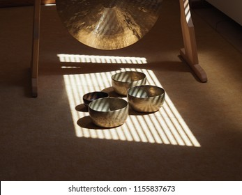 Sound healing instruments, Feng Gong and sound bowls