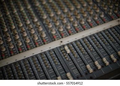 Sound music mixer