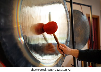 Sound therapy with gong, It is important to be completely relaxed in order to be able to accept the sound and vibration of Gong to the fullest.