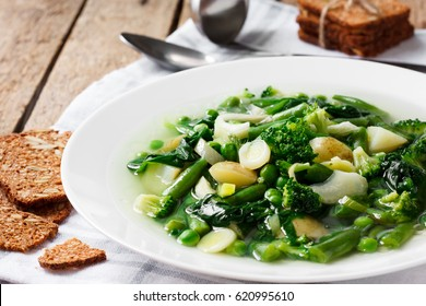 Soup minestrone with green vegetables