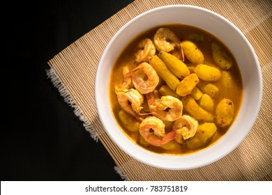 sour soup made of tamarind paste with shrimp and Hausa potato