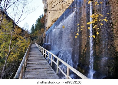 Source of lindens, Karstic formations in the Hoz of Beteta in the Jucar river, Sumidero de mata asnos, Landscapes of the mountain range of Cuenca, spain, park Natural,