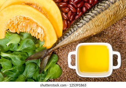 Sources of omega 3 fatty acids: flaxseeds, fat fish, field lettuce, pumpkin and pumpkin seeds, olive oil and kidney beans