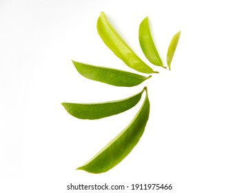 Soursop tea is an herbal tea that is made from the leaves of the soursop fruit tree. Soursop tea is also called graviola tea and is rumored to have significant powers to prevent or treat cancer