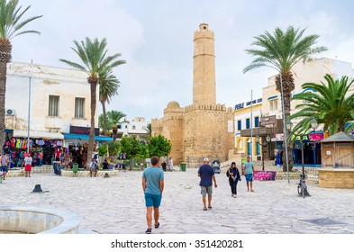 SOUSSE, TUNISIA - SEPTEMBER 6, 2015: The central square of Medina with the medieval fortress of Ribat, on September 6 in Sousse.