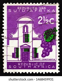 SOUTH AFRICA - CIRCA 1961: A stamp printed in South Africa shows Groot Constantia, circa 1961.