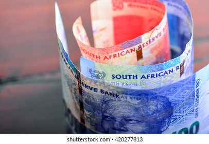 South African one hundred rand note close up 40