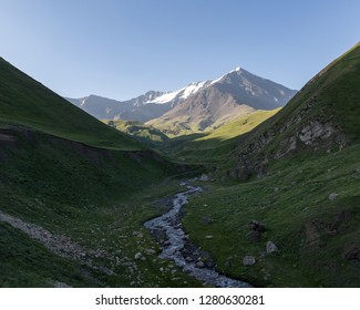 In the South of Dagestan, near the border with Azerbaijan, rises into the sky the highest peak of the Eastern part of the main Caucasian ridge – mount Bazar-duzi.