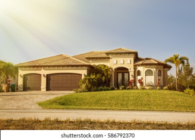 South Florida single family house in sunny day.