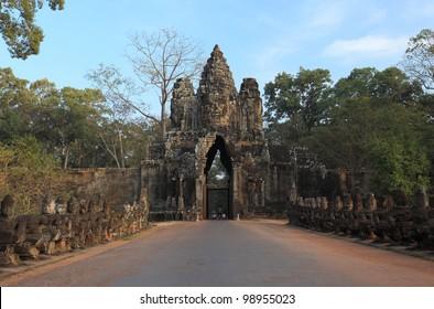 South gate, entrance to Angkor Thom