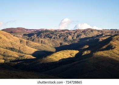 South view from Arena do Jacare (Alligator Arena) of the mountainous terrain in the surroundings - Sao Sebastiao das Aguas Claras (A.K.A Macacos) - Minas Gerais / Brazil.