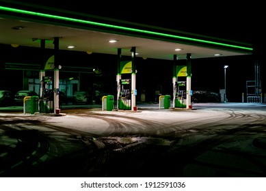 Southend, Essex, Uk - 8th February 2021: A Southend BP petrol station sits empty on a freezing snow covered morning during storm Darcy.