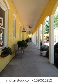 SOUTHERN PINES, NC / USA - APRIL 2017: Belvedere Plaza Shops and Courtyard in Southern Pines, North Carolina