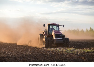 Sowing of the ukraine agricultural company, 2014, April 29, Emelchino, Ukraine
