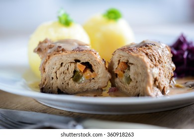 soy roulade with dumplings and red cabbage