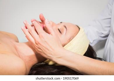 spa facial procedure