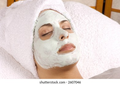 Spa Organic Facial Masque Full Application