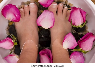 Spa Treatment with aromatic rose petals