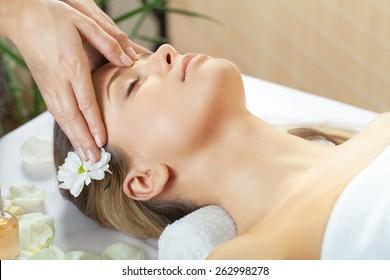 Spa Treatment, Massaging, Health Spa.