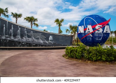 Space Center CAPE CANAVERAL, FLORIDA. Kennedy memorial next to the Nasa globe.