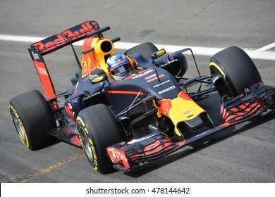 SPA-FRANCORCHAMPS, BELGIUM - AUGUST 26: Racing driver Daniel Ricciardo (Red Bull) during the Belgian Formula 1 Grand Prix at Spa-Francorchamps on August 26, 2016 in Spa-Francorchamps, Belgium.