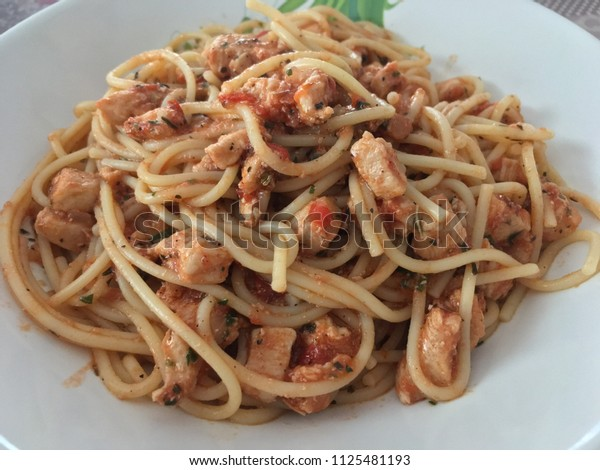 Spagetti with chicken breast