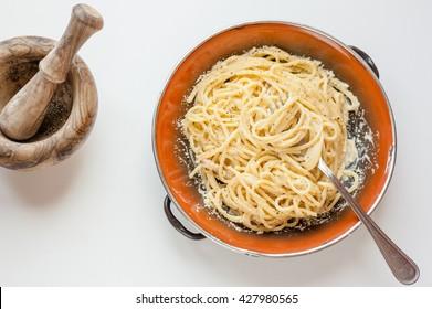 Spaghetti alla Carbonara on rustic plate