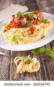 spaghetti and basil