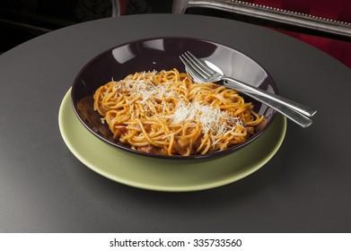 spaghetti bolognaise, italian food on plate