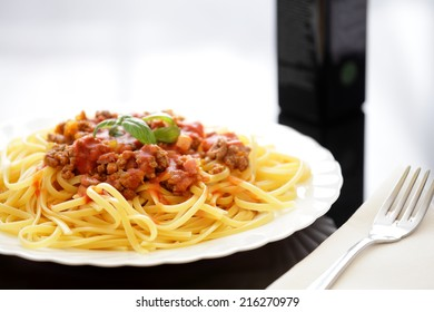 spaghetti bolognese made with italian pasta and minced meat