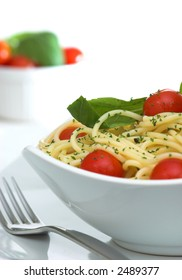 Spaghetti with Cherry Tomatoes and Fresh Basil