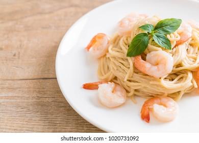 spaghetti cream cheese white sauce with shrimp - Italian food style