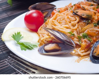 Spaghetti with Mussels in a homemade tomato sauce