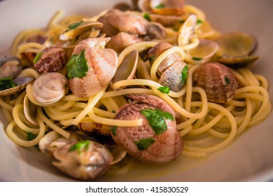 Spaghetti with mussels Vongole