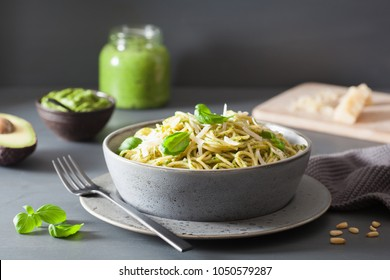 spaghetti pasta with avocado basil pesto sauce