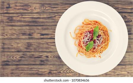 Spaghetti pasta in tomato sauce with chicken