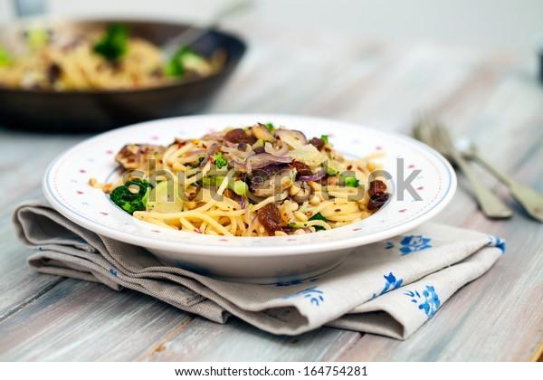 Spaghetti with sardines and broccoli