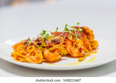 Spaghetti with shrimps and tomato sauce