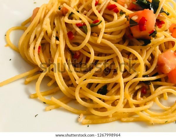 Spaghetti Spicy Spaghetti Aglio Olio Peperoncino Stock Photo Edit Now 1267998964