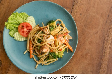 Spaghetti with spicy seafood asian style - street food