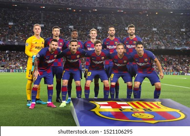 Spain, Barcelona, october 2 2019: fc Barcelona starting line-up in center field for team photo during football match FC BARCELONA vs FC INTER, Champions League 2019/2020 day2, Camp Nou stadium