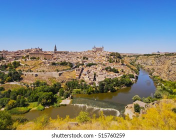Spain, Castile La Mancha, Toledo, View over the Tagus River towards the Old Town.