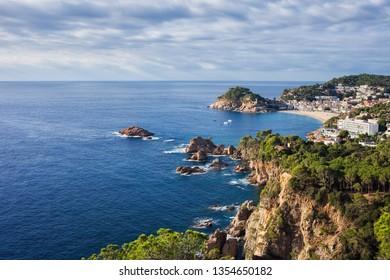 Spain, Catalonia, Costa Brava coastline of Mediterranean Sea, view to town of Tossa de Mar