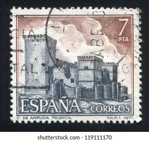 SPAIN - CIRCA 1977: stamp printed by Spain, shows Castle Ampudia, Palencia, circa 1977