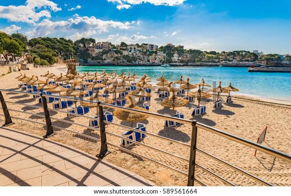 Spanien Mallorca Insel, Sandstrand von Porto Cristo, schöne Bucht Küste, Mittelmeer, Balearen.