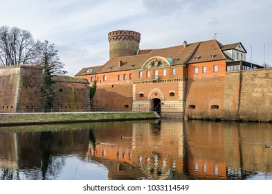 Spandau Citadel, one of the best preserved Renaissance military structures of Europe. The part of the bastion Koenig (king bastion) with the Julius tower and the gate house with a draw bridge. Berlin
