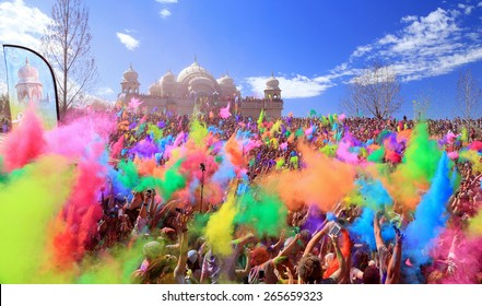 Spanish Fork, Utah, USA. 3/28/15. Throwing color at the Krishna color festival