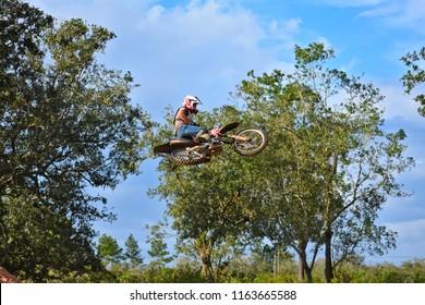 Spanish lookout, Belize February 18, 2018 John Wayne Friesen free styling his CRF250R