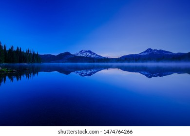 Sparks Lake with view of Mt Bachelor and Brokentop at Sunrise
