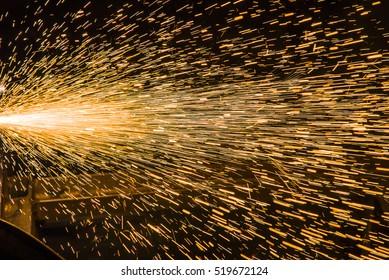 Schweissmagen, Feuerwerkskörper aus dem Plasmeschweißen